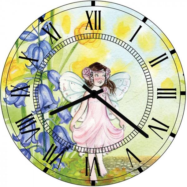 Настенные часы Kids Dream 40011304001130Настенные часы для детской. Механизм: Кварцевый; Корпус: Дерево; Размер: Диаметр 40 см;Рисунок: Девочка-стрекоза