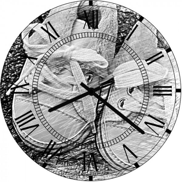 Настенные часы Kids Dream 35011263501126Настенные часы для детской. Механизм: Кварцевый; Корпус: Дерево; Размер: Диаметр 35 см;Рисунок: Детская обувь