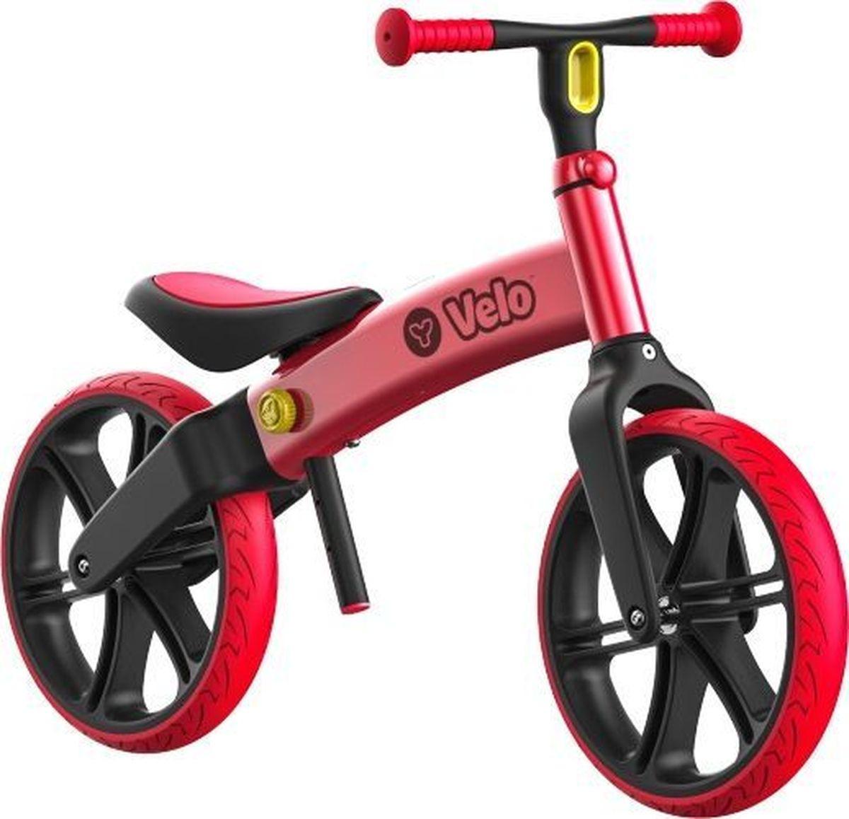 Беговел YVolution Velo Balance, 101051, красный101051Беговел Yvolution Velo Balance - превосходный классический беговел, который сделает прогулки малыша веселыми и увлекательными, а также научит ребенка держать равновесие. Беговел Velo Balance предназначен для детей в возрасте от 3 лет и станет прекрасным первым балансиром и полезным детским транспортом. Беговел окрашен в красный и черный цвета. Эргономичное сидение и удобный руль регулируются по высоте в три положения, таким образом беговел будет расти вместе с ребенком. Ваш малыш будет легко доставать ногами до земли. Основные характеристики:12-дюймовые колеса c проколостойкими шинами;Максимальная высота руля - 57 см;Максимальная высота сиденья - 43 см;Облегченная алюминиевая рама;Усиленные подшипники картриджного типа;Высокий дорожный просвет для повышенной безопасности;Удобное сиденье и геометрия рамы;Регулируемые сиденье и руль в зависимости от роста ребенка.Максимально допустимый вес ребенка: 20 кг.Вес беговела 4 кг.
