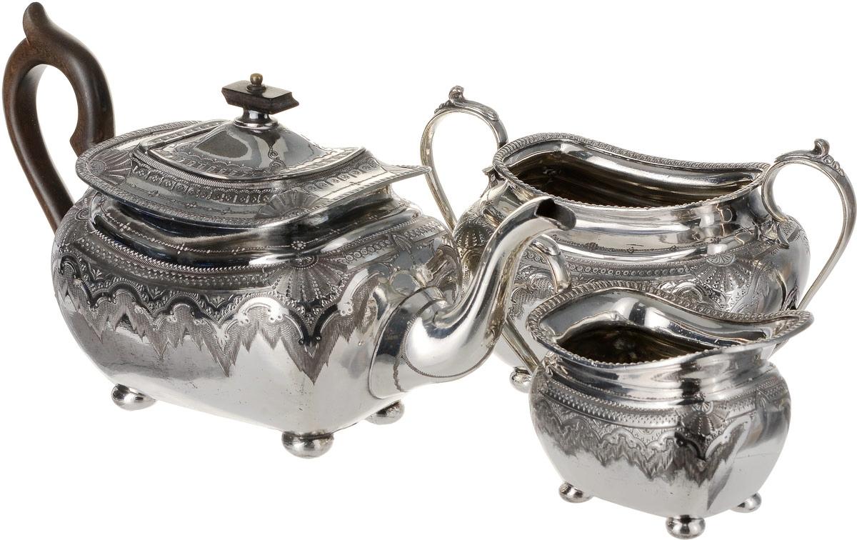 Набор для чая Sheffield из 3 предметов. Металл, глубокое серебрение, гравировка, эбонит. Великобритания, начало ХХ века