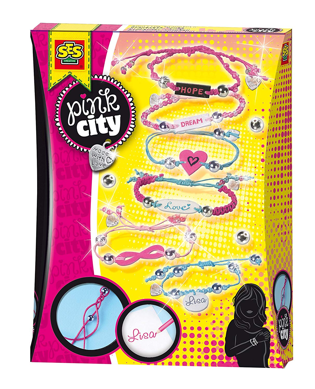 цена на Развивающая игрушка SES creative Набор для плетения браслетов с шармиками Pink City 14332