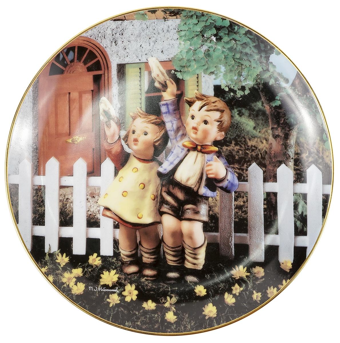 Декоративная тарелка Goebel Возвращайся скорее. Фарфор, деколь, золочение. Швейцария, вторая половина ХХ века чайный сервиз сорренто на 3 персоны 12 предметов фарфор деколь золочение royal albert великобритания вторая половина хх века