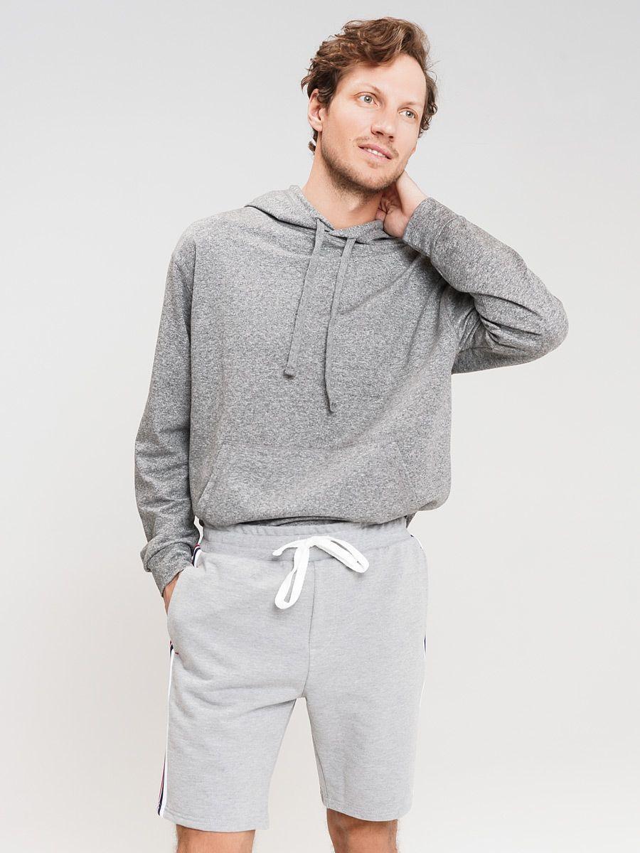 Шорты ТВОЕ58212Мужские шорты выполнены из мягкой, тактильно приятной ткани. Шорты стандартной посадки имеют эластичный пояс на талии, дополненный завясками. Идеально подойдут для создания повседневного и спортивного образа.