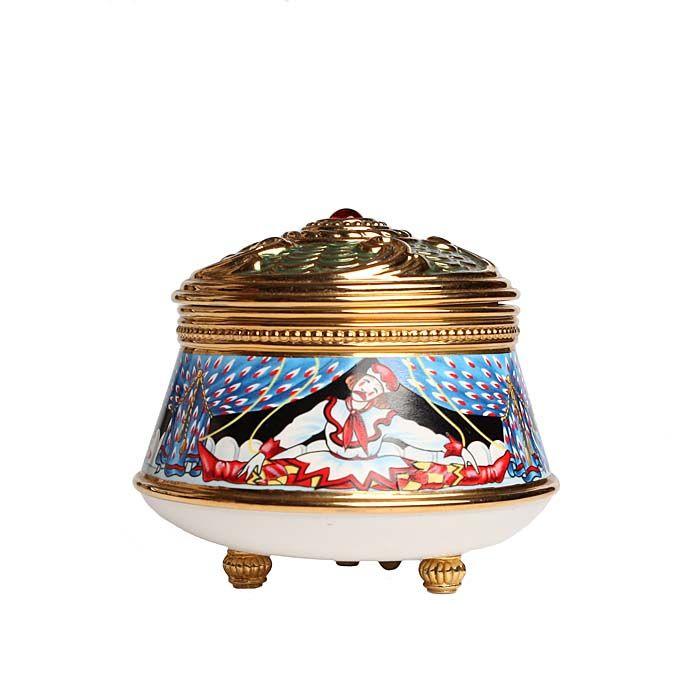 Музыкальная шкатулка Петрушка. Металл, деколь, эмаль. House of Faberge,1990-е гг. тарелка ландыши фарфор деколь house of faberge 90 е гг хх века