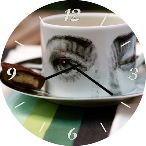 Настенные часы Kitchen Interiors 35017253501725Настенные часы. Механизм: Кварцевый. Корпус: Дерево. Размер: Диаметр 35 см. Рисунок: Чашка с красивым взглядом