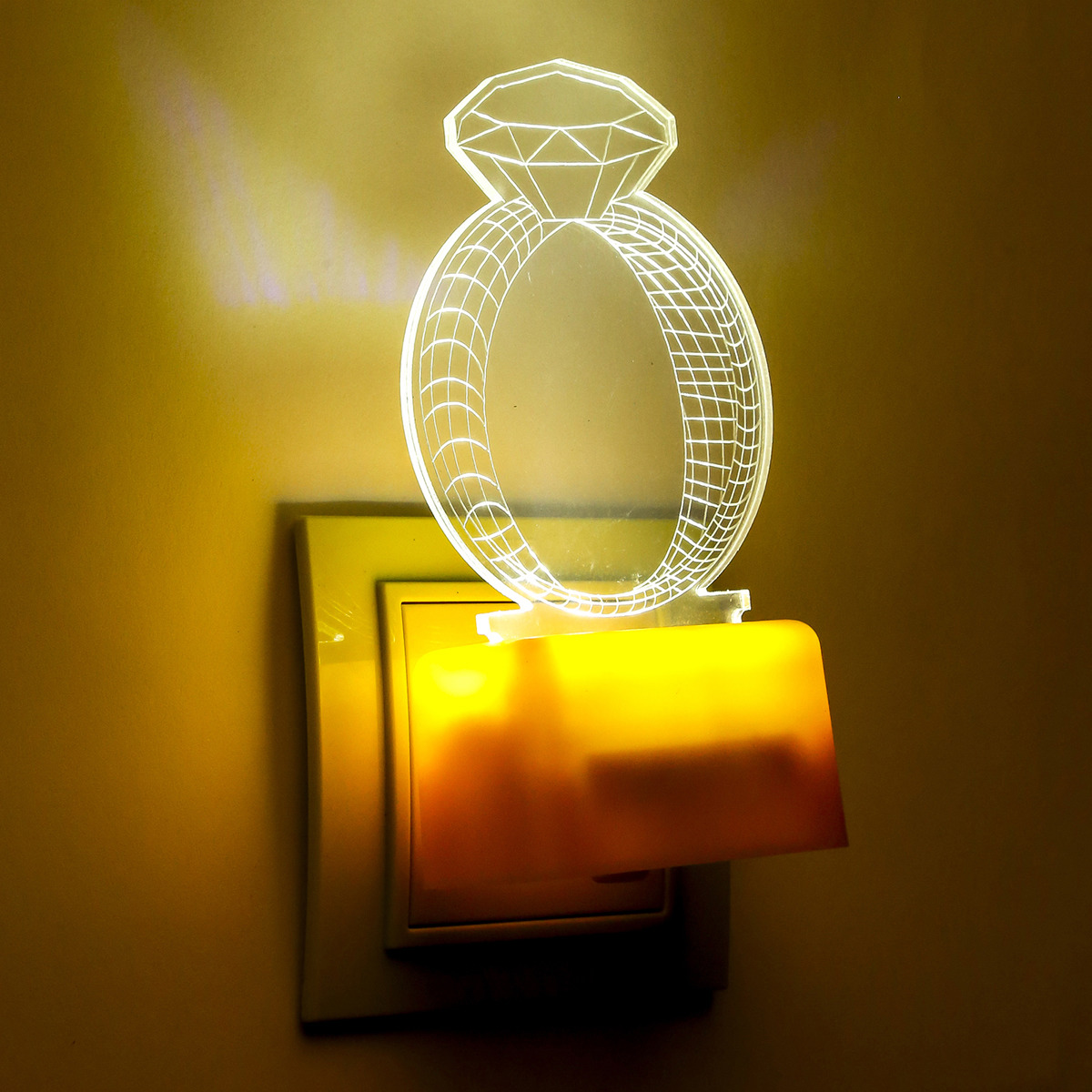 Ночник Risalux Кольцо, 3 режима, LED, 3877914, прозрачный, 8 х 8 х 14 см