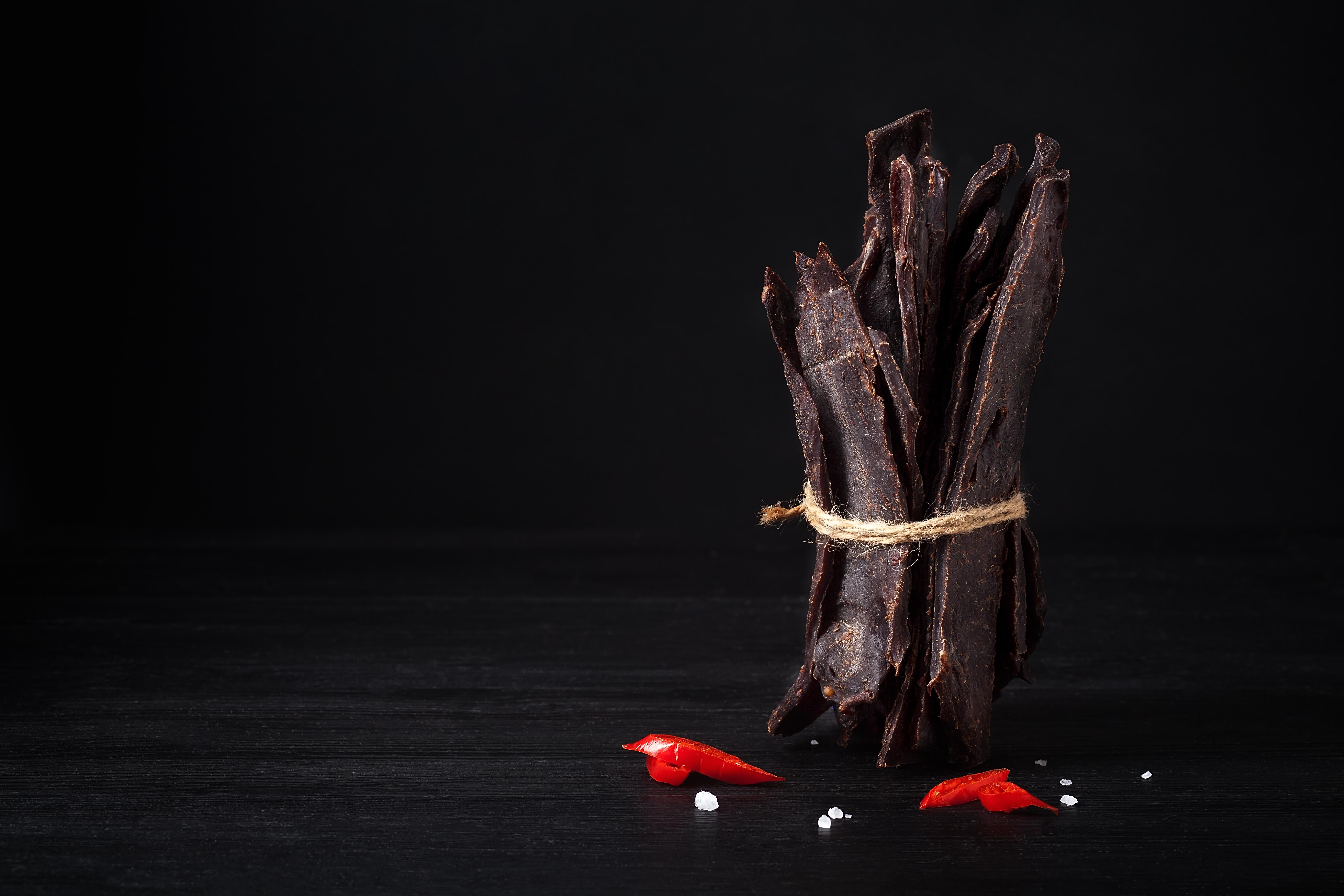 Вяленое мясо  ломтики вяленой оленины 50г, 50 Кусочки вяленой оленины - идеальная...