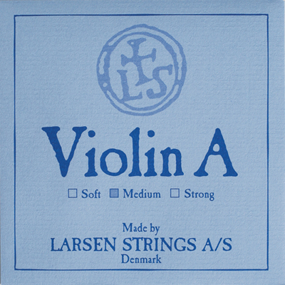 Скрипка Larsen Strings L5522я4711-53Синтетическая струна с алюминиевой обмоткой для скрипки ля/2 среднего натяжения Теплый тембр с хорошей проекцией. Рекомендуются для инструментов с ярким и нейтральным звуком Расчетная длина вибрирующей части струны 325 мм Расчетная высота ноты ля 440 Гц Цветовой код Larsen Original на конце со стороны подгрифка желтый с синей спиралью Среднее натяжение, цветовой код со стороны колков красный Упаковка в конверт Струна ля с алюминиевым шариком среднего натяжения(5.7 кг, 12.6 lbs), многожильная нейлоновая основа с алюминиевой обмоткой