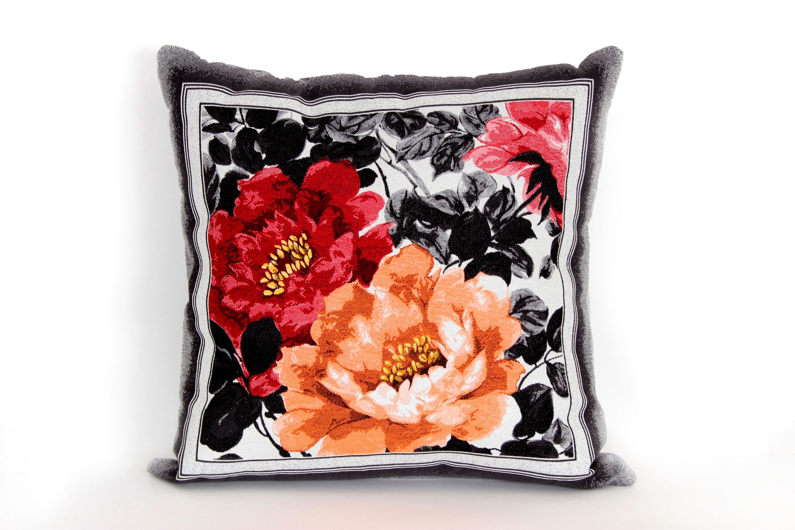 Подушка декоративная Магазин гобеленов роза 45*45 см диванная подушка getuback emoji si020
