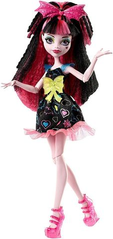 цена на Кукла Mattel Дракулаура из серии Электризованные
