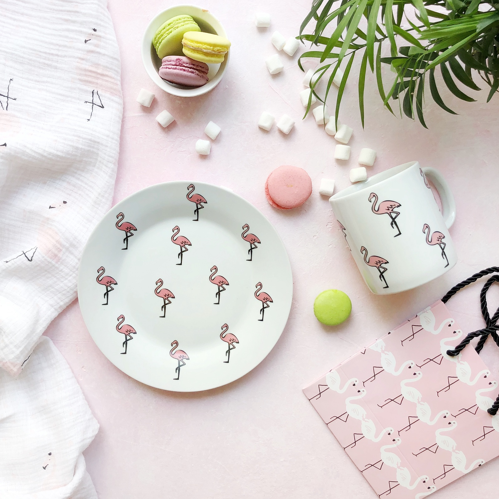 Набор столовой посуды Сотвори Чудо Набор посуды Розовый фламинго (2 в 1: кружка+тарелка), белый тарелка мелкая сотвори чудо розовый фламинго диаметр 20 см