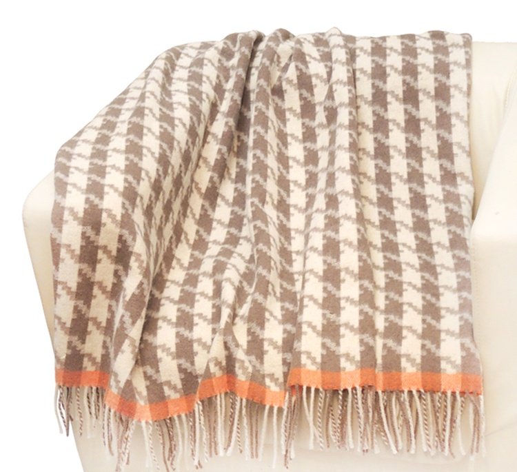 цена на Плед Paters из овечьей шерсти 170*210 Романтика - Неаполь