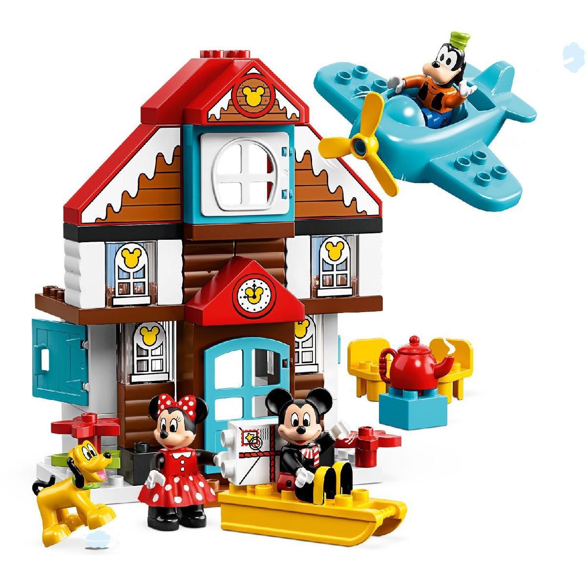 Пластиковый конструктор LEGO 10889