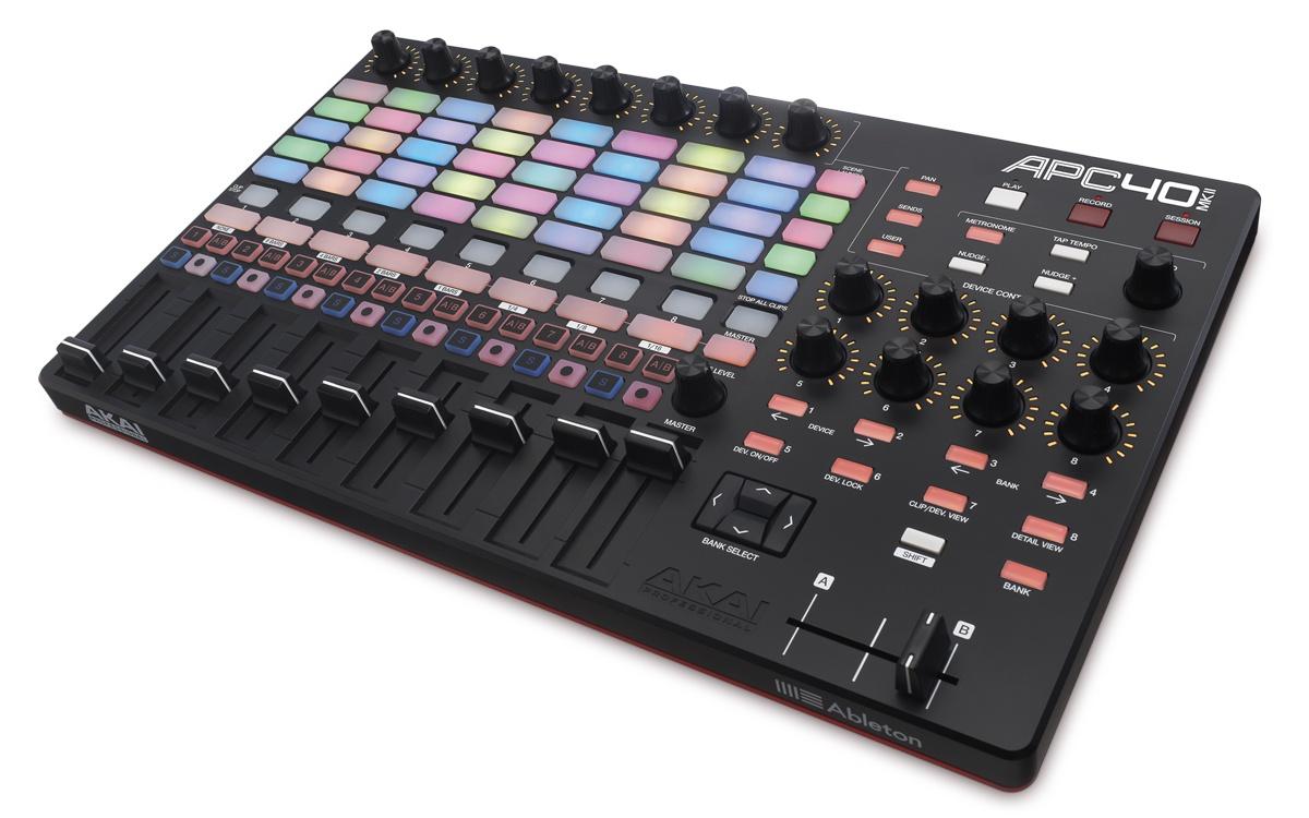 MIDI-контроллер Akai Pro APC40, черный midi контроллер novation launchpad mk2 компактный для ableton live 64 квадратных пэдов цвет черный