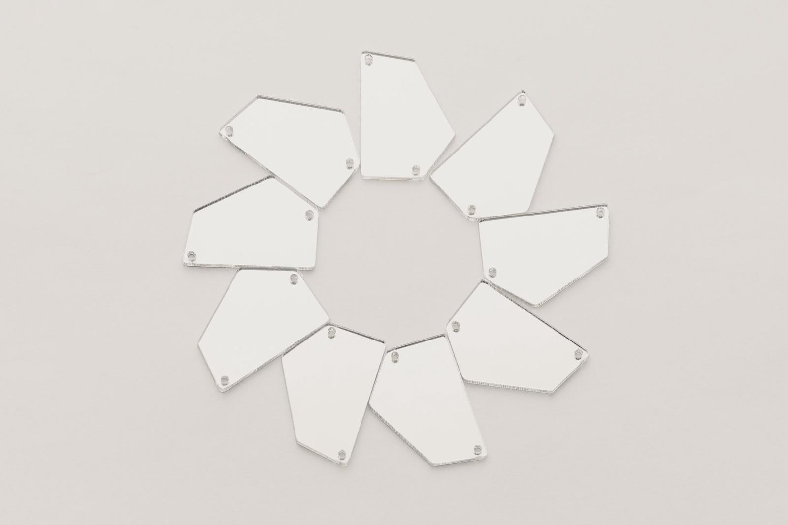 Стразы CASP Lase Пятиугольник 28х20