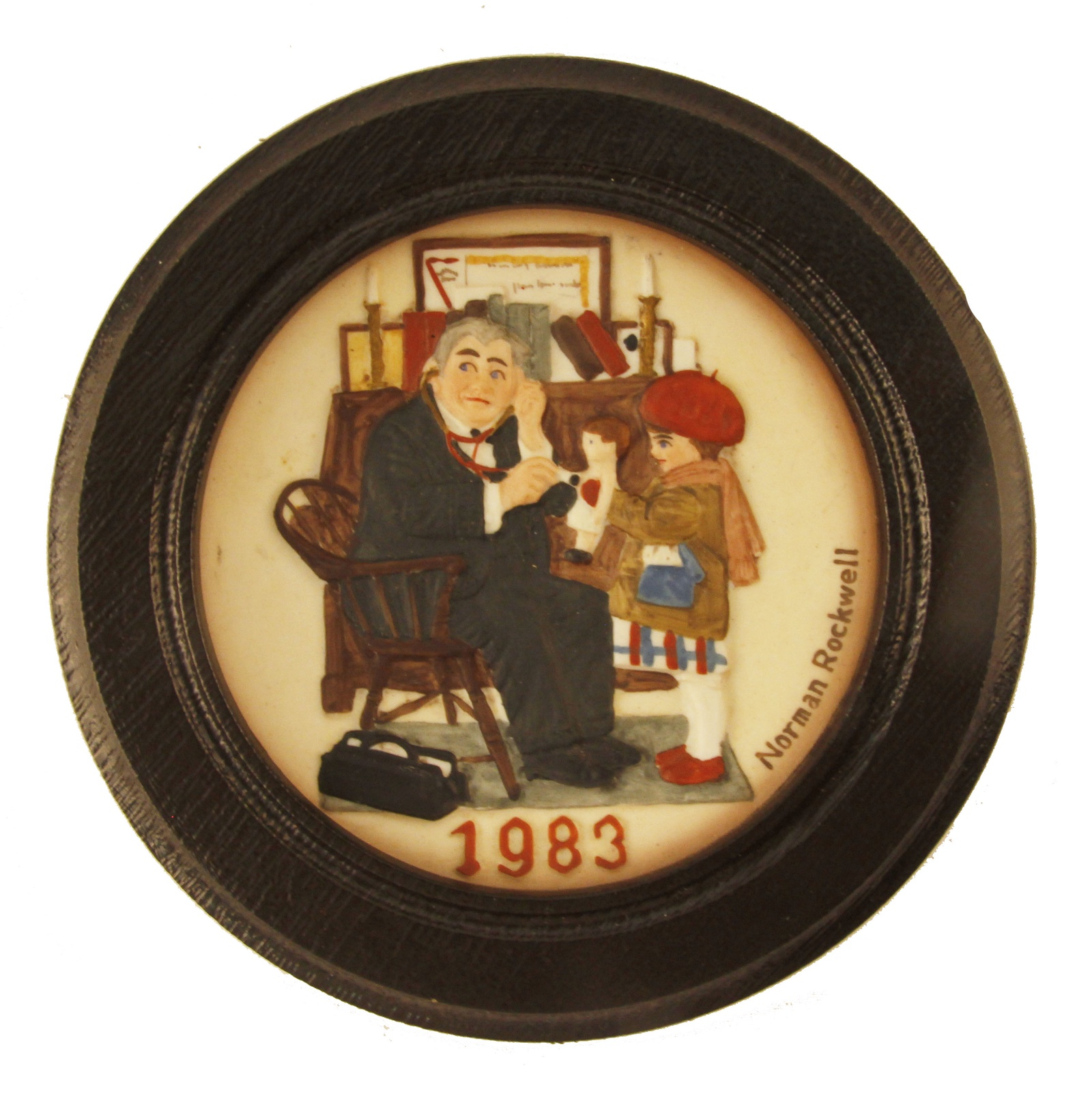 Декоративная тарелка Dave Grossman Designs, Inc. Доктор и кукла, черный, бежевый декоративная тарелка knowles коллекция наследие профессор фарфор деколь сша норман роквелл 1986
