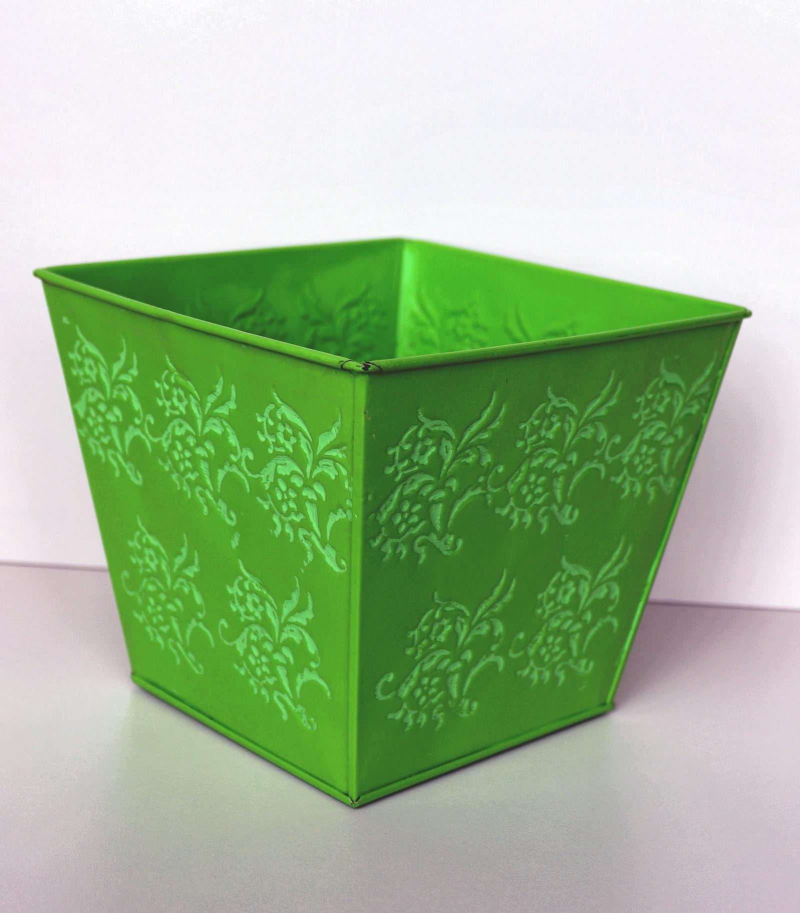 Кашпо 403336, зеленый квадратное кашпо keter cube planter m