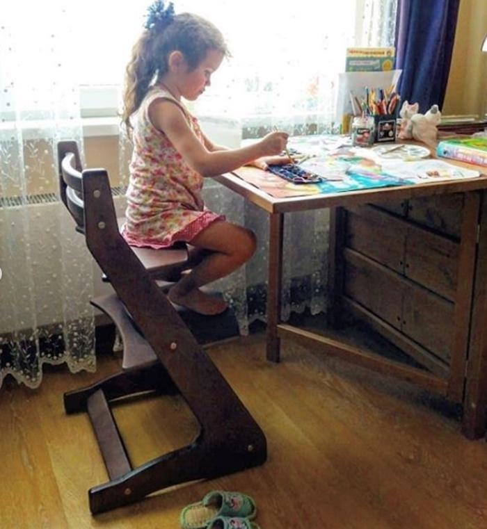 Растущий регулируемый стул. Детский стульчик для кормления Вырастайка - шоколад