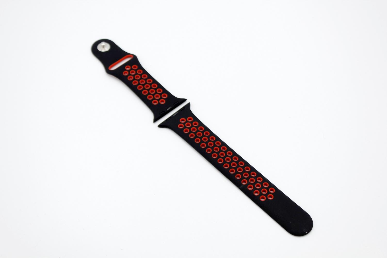 Ремешок для смарт-часов Apple Силиконовый ремешок для Watch 38/40 серия Nike, черный часы apple watch nike series 3 gps cellular 42 мм корпус из алюминия цвета серый космос спортивный ремешок nike цвета антрацитовый чёрный