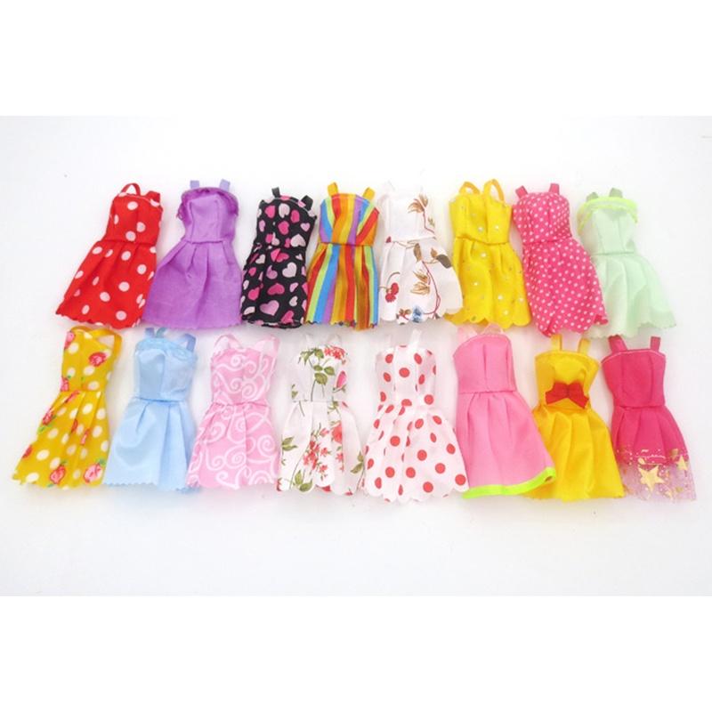 цена на Одежда для кукол TopSeller Комплект платьев для куклы Барби