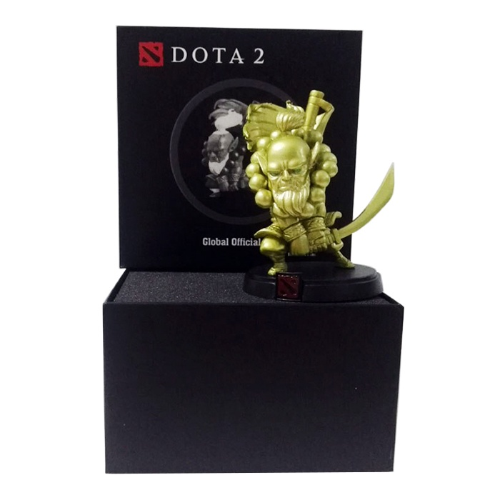 цена Фигурка Dota 2: Juggernaut Gold онлайн в 2017 году
