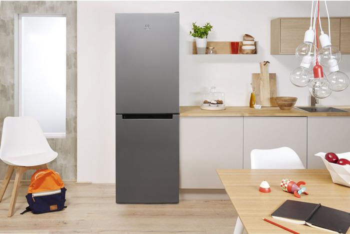 Холодильник Indesit DS 4160 S, двухкамерный, серебристый Indesit