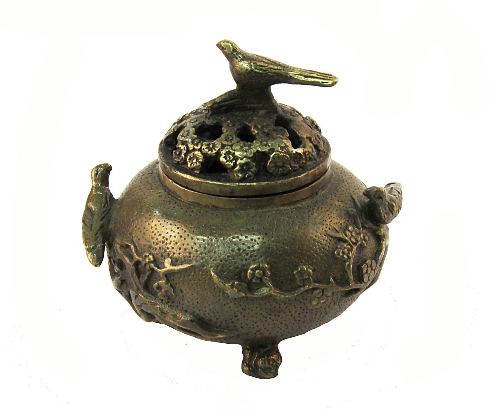 Курительница Птицы в саду восточном стиле. Бронза, прочеканка. Китай, конец XX века