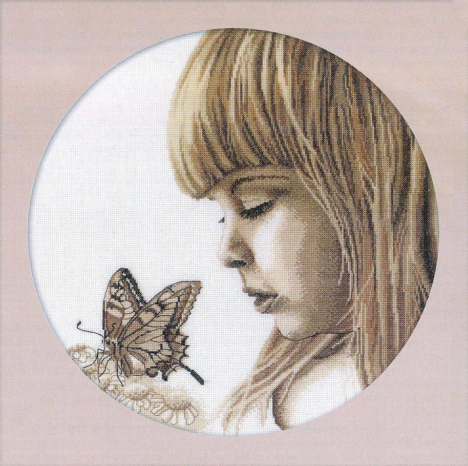 М344 Девочка и бабочка