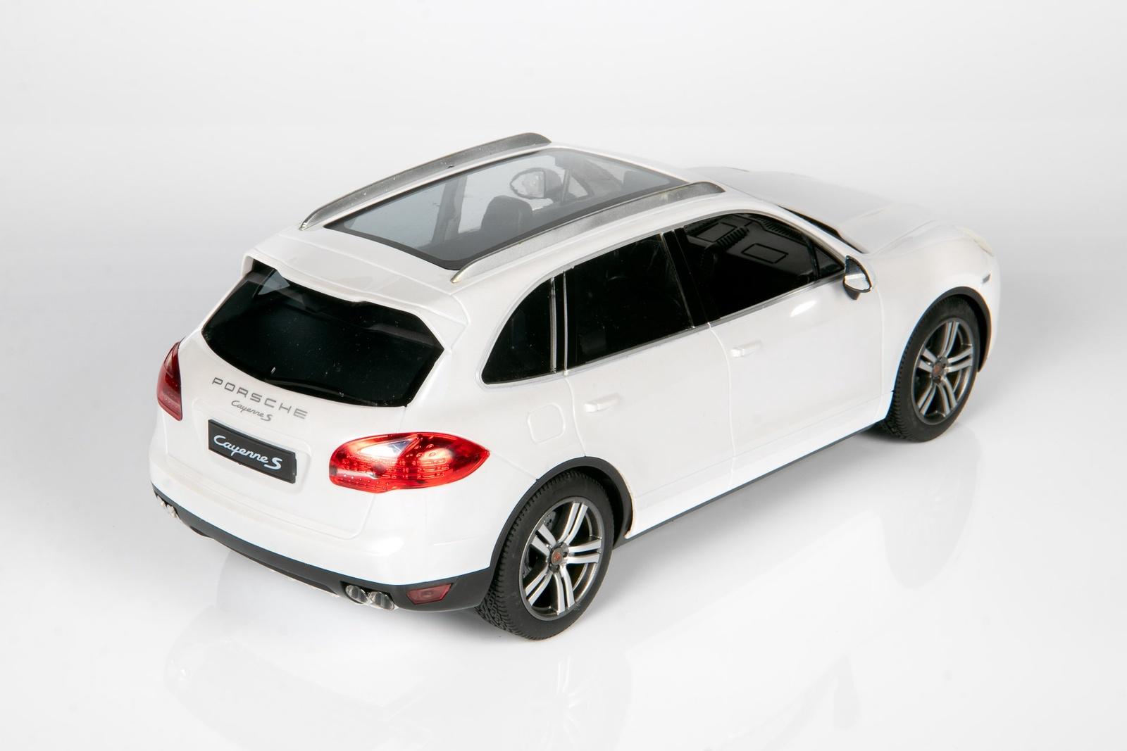 Радиоуправляемая машинка Porsche Cayenne S