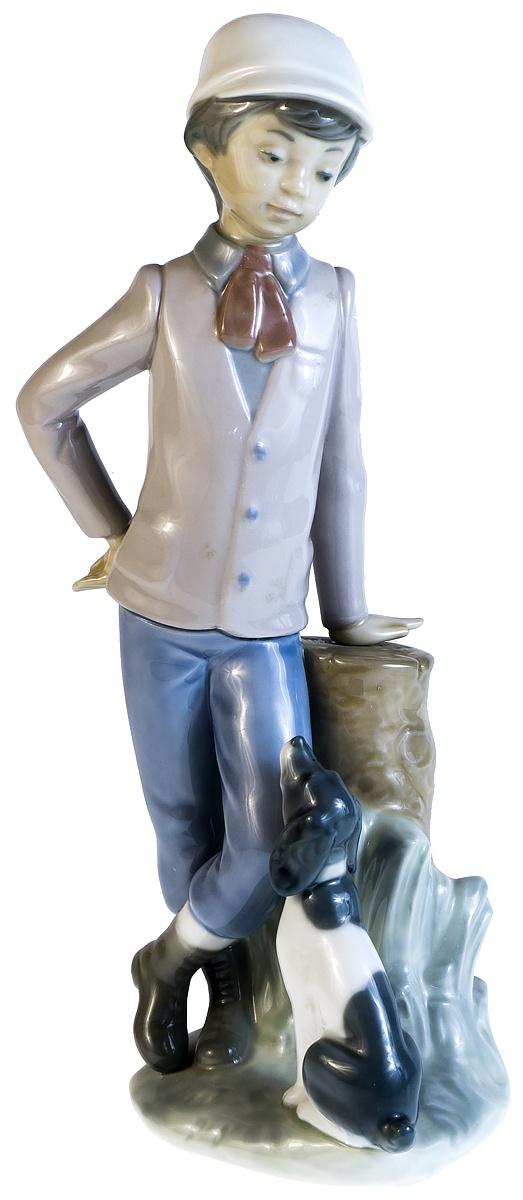 """Статуэтка """"Мальчик с собакой"""". Фарфор, ручная роспись. Высота 23 см. Nao для Lladro, Испания (Валенсия), 1983 год"""