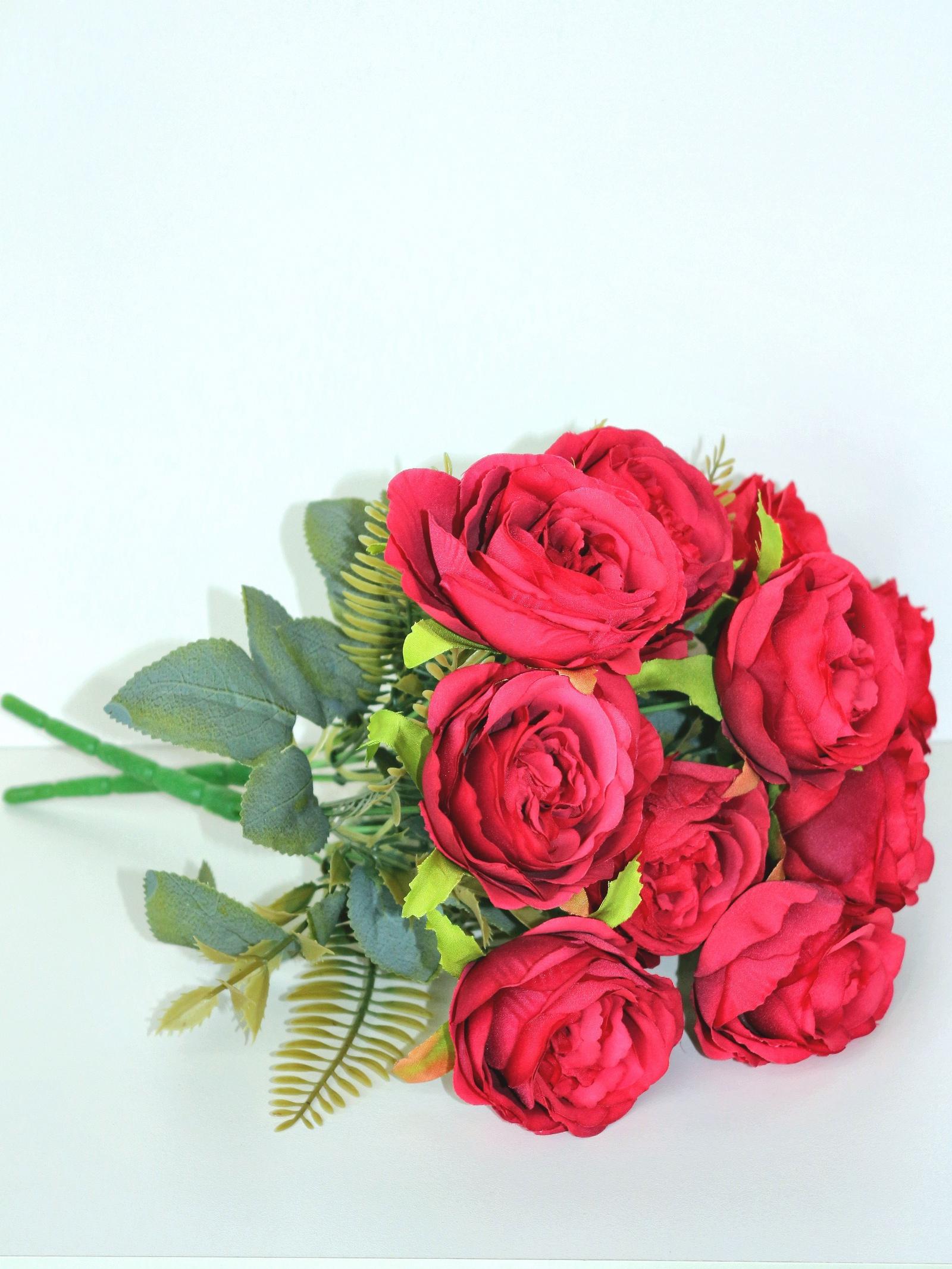 Букет красных роз 11 голов букет зачарованный букет
