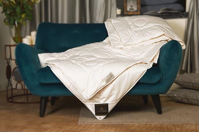 цена Одеяло Trois Couronnes Mao онлайн в 2017 году