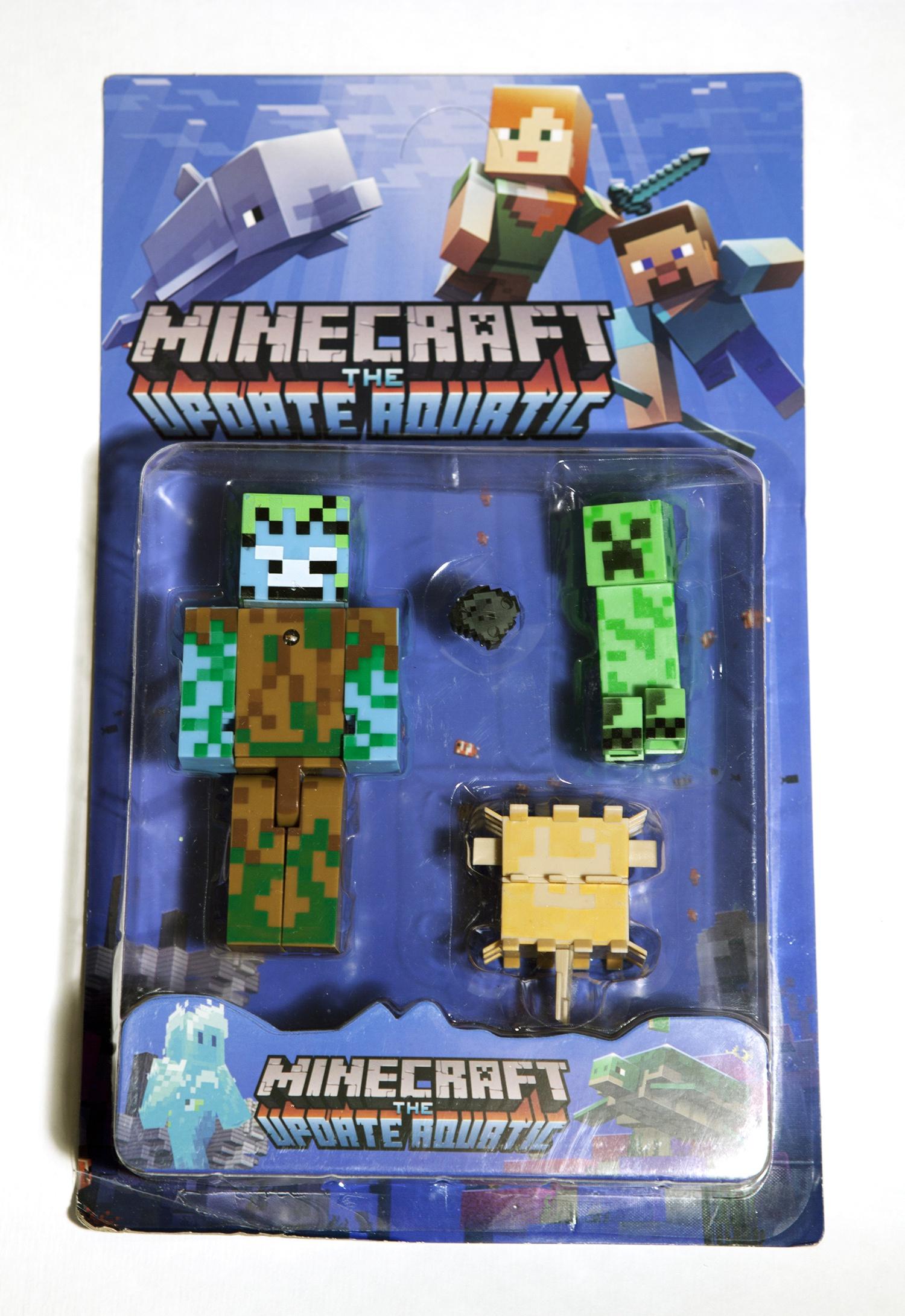 Набор фигурок Minecraft The Update Aquatic small (звук/свет): Pack 2 набор фигурок minecraft blacksmith with apron and anvil 8 см