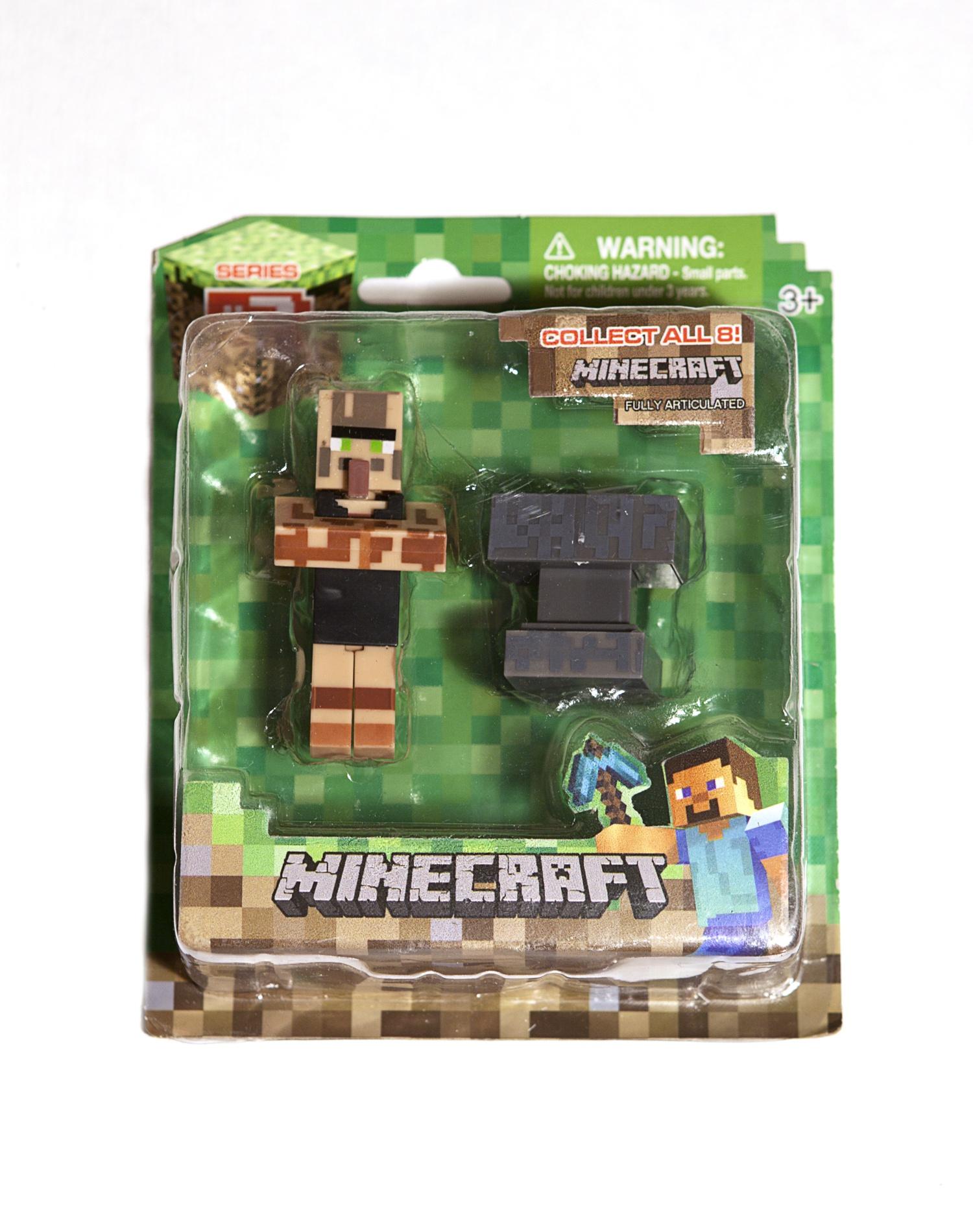 цена на Набор фигурок Minecraft small: Blacksmith Villager (с аксессуарами)