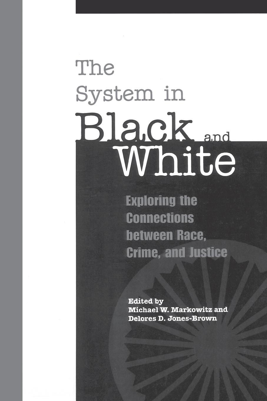 Фото - The System in Black and White. Exploring the Connections between Race, Crime, and Justice white colander crime