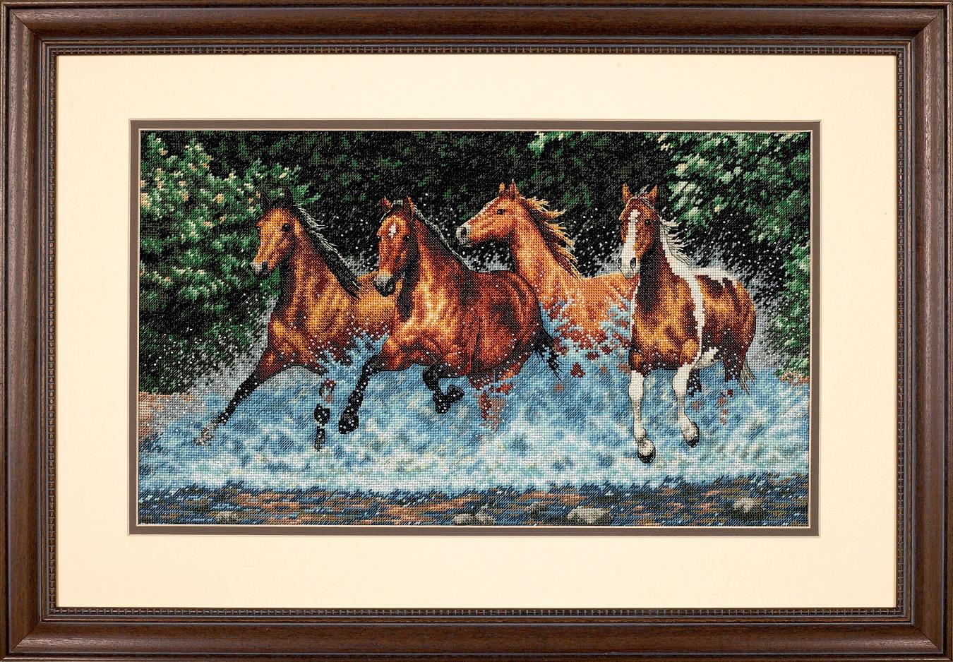 Набор для вышивания крестом Dimensions Бегущие лошади, 46х25 см