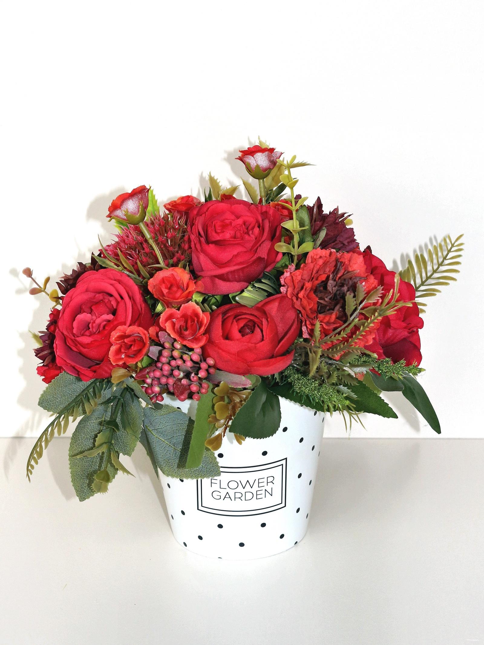 Композиция из цветов композиция из 555 роз магия любви