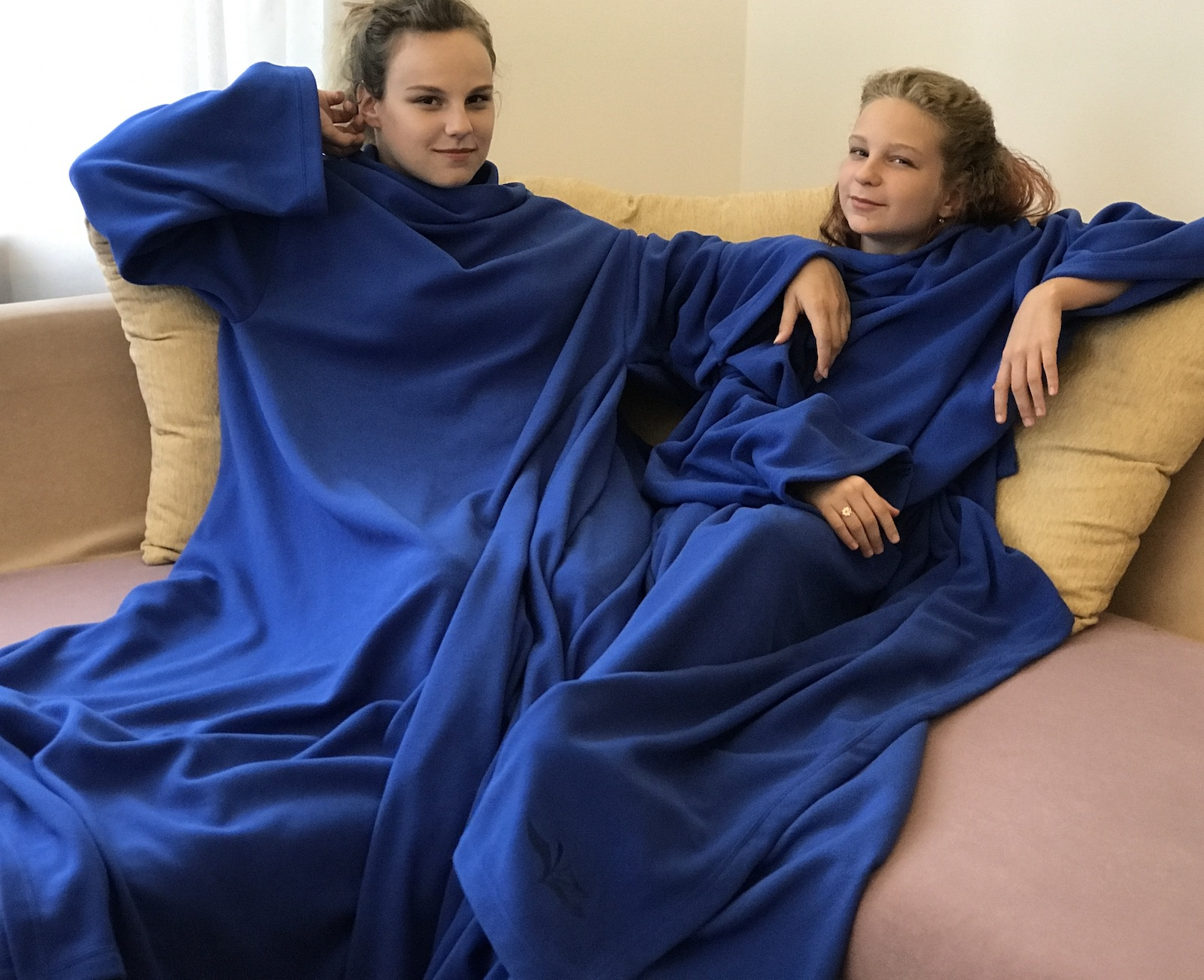 Плед флисовый для двоих с 4-мя рукавами пледы kidboo blue ocean флисовый