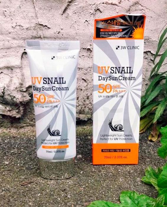 3W CLINIC UV Snail Day Sun Cream SPF50+ PA+++Солнцезащитный крем для лица с муцином улитки, 70 мл 3W Clinic