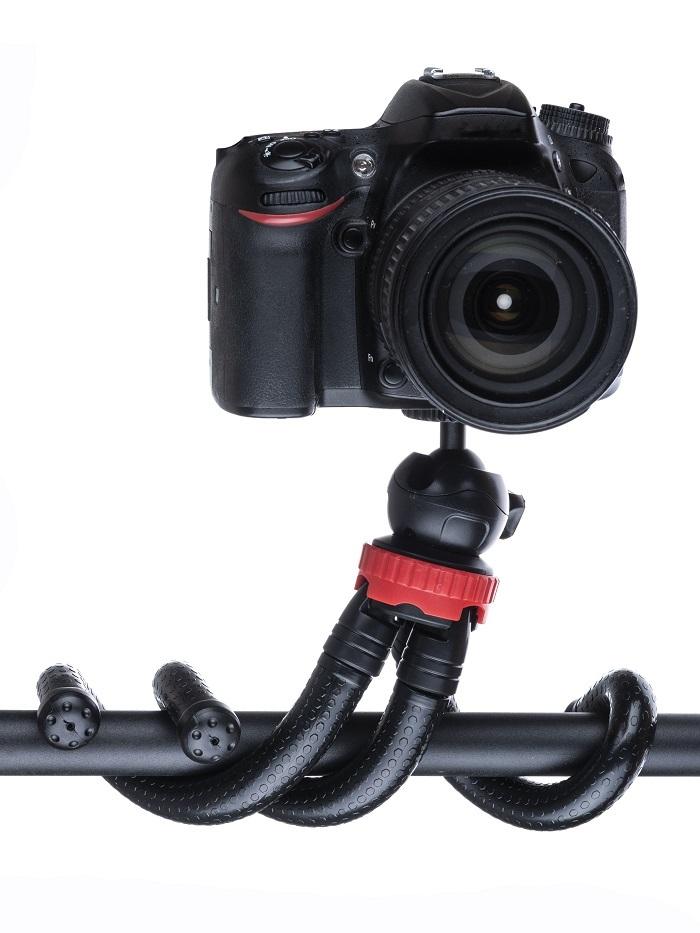 Штатив с гибкими ножками Raygood AF-22. С держателем для телефона и металлической шаровой головкой. Длина: 30 см. Черно-красный.