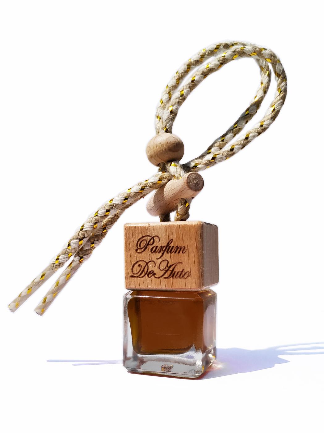 """Ароматизатор для автомобиля и дома """"Куб"""" с ароматом Tobacco Vanille (Табак Ваниль) / автопарфюм / жидкий / подвесной"""