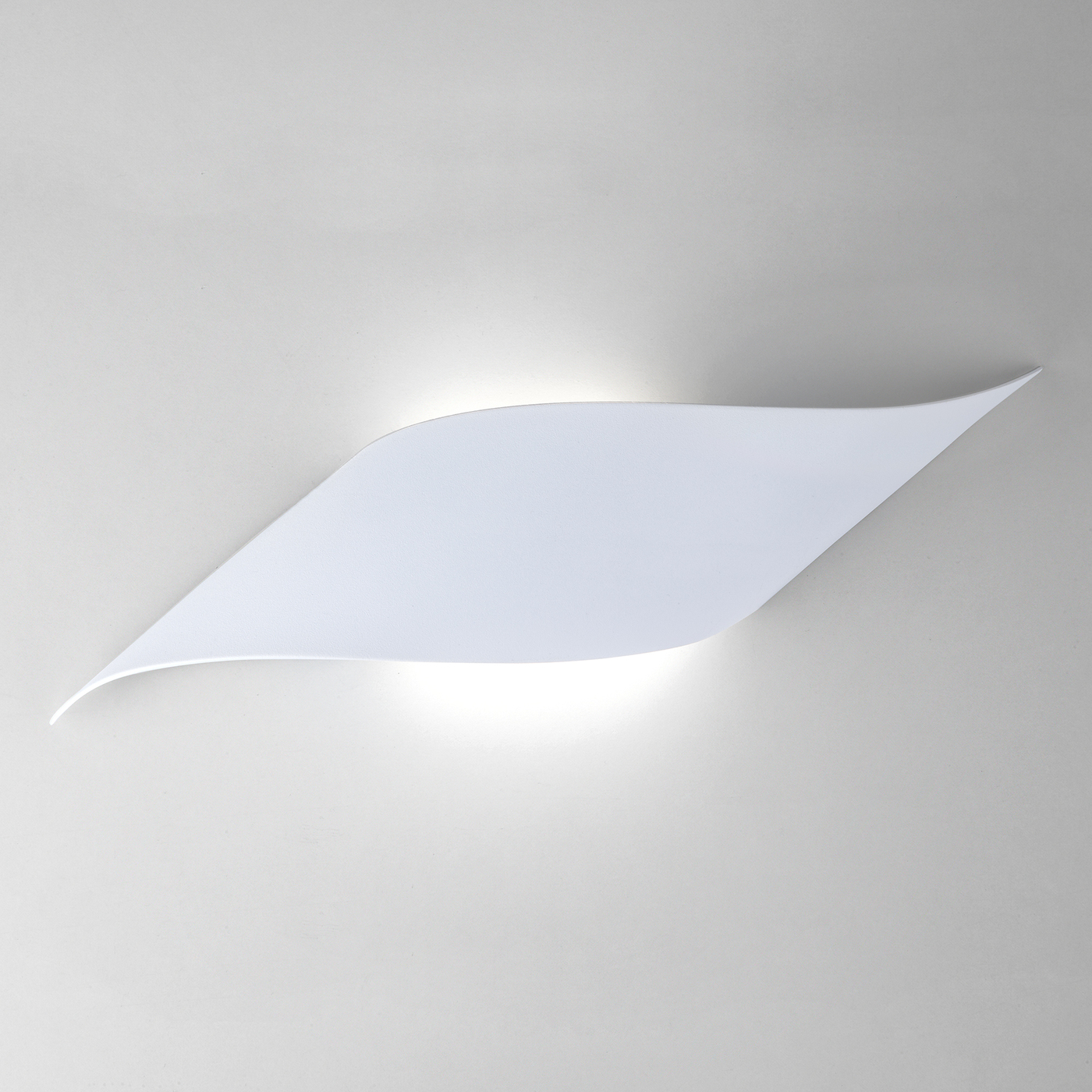 Настенный светильник Elektrostandard светодиодный 40130/1 LED, 6 Вт светильник светодиодный led lamplandia clear 1х24вт акрил белый