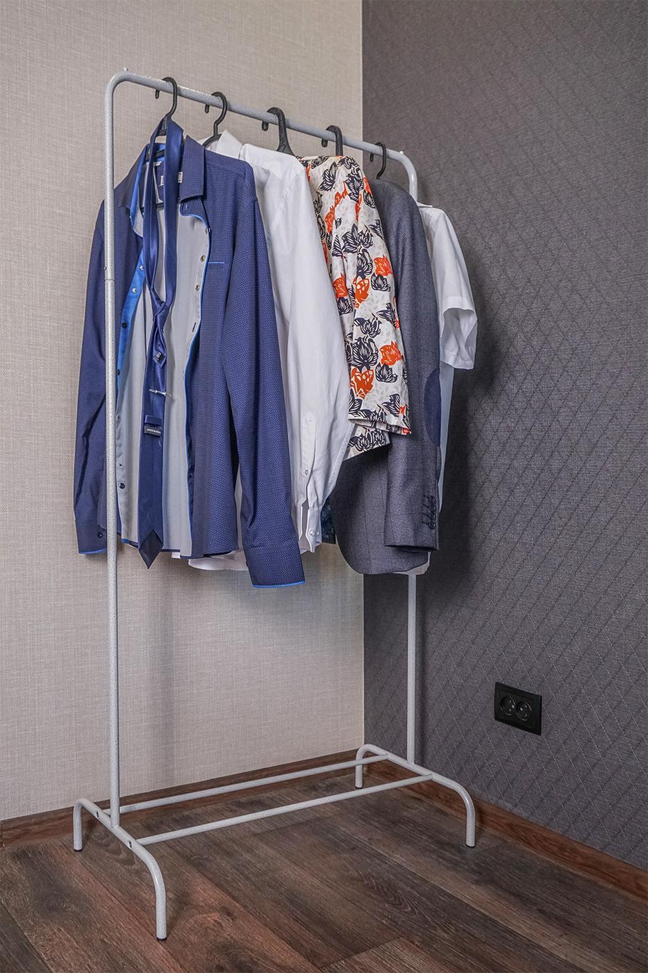 тысяч них вешалки гардеробные напольные для одежды фото начальной стадии зрелости