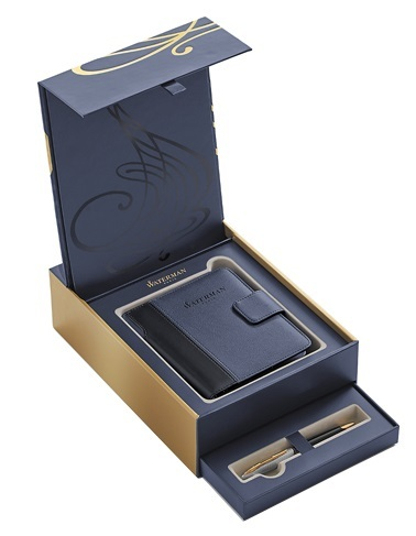 Набор Waterman 1978717 (шариковая ручка Carene Deluxe Black GT + блокнот с закладкой и магнитной застежкой)