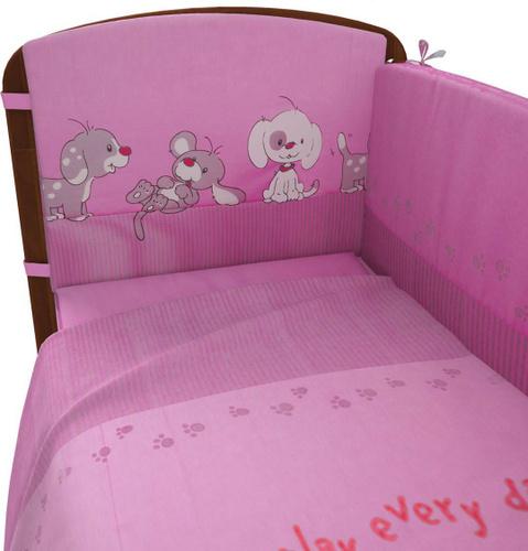 Розовая фея на кроватке