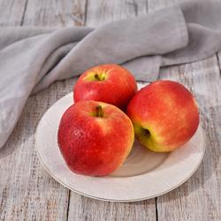 Яблоки Гала крупные, 1 кг