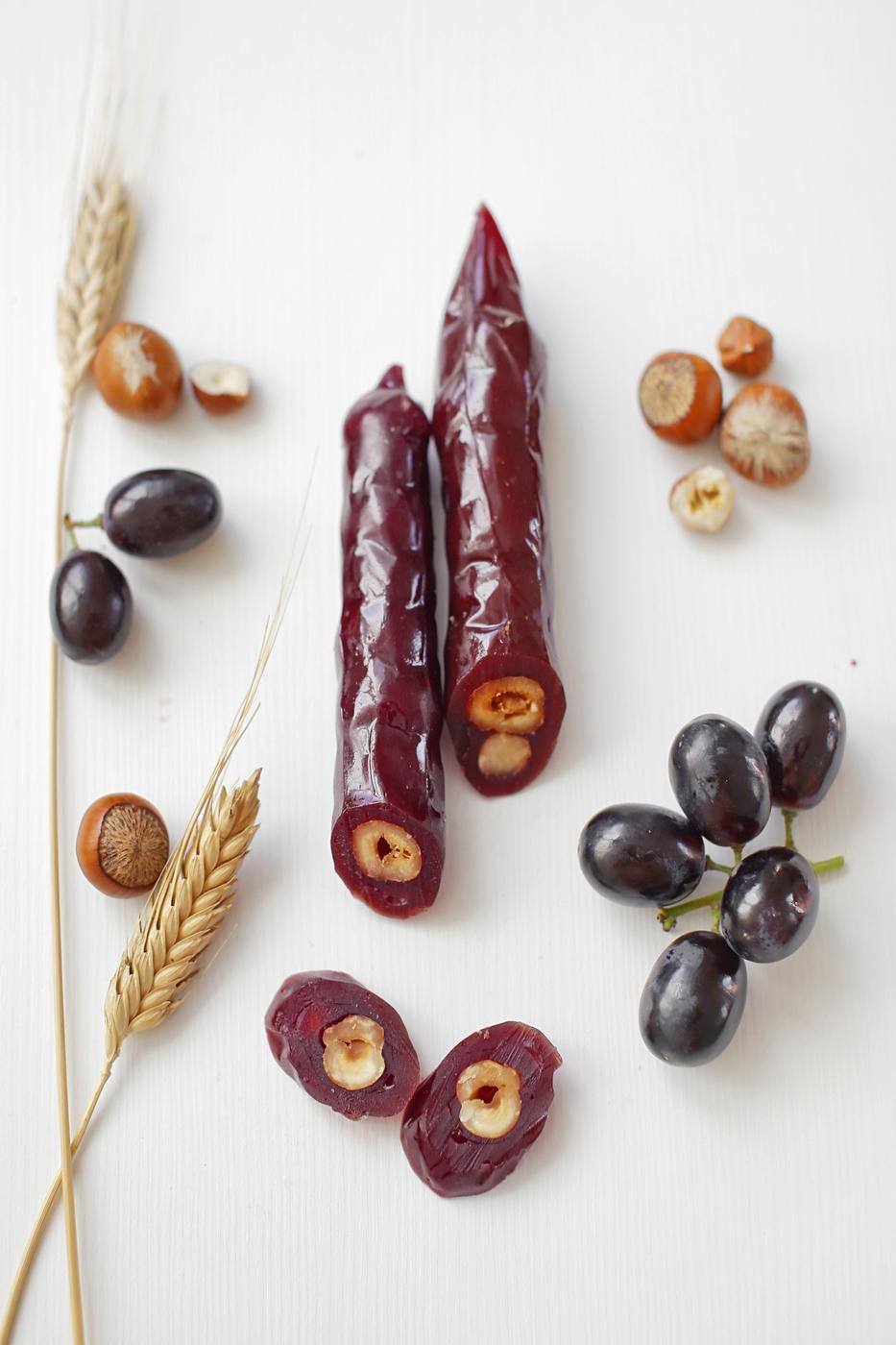 Фото - Чуч-хела виноградная темная с фундуком Ремесло вкуса чуч хела виноградная темная с грецким орехом ремесло вкуса