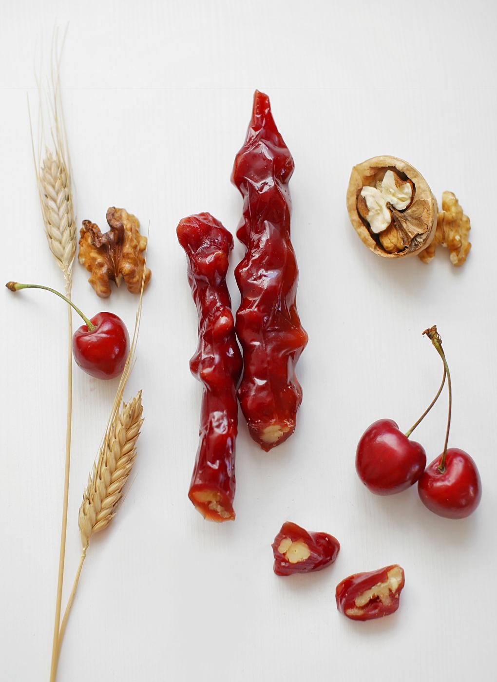 Фото - Чуч-хела вишневая с грецким орехом Ремесло вкуса чуч хела виноградная темная с грецким орехом ремесло вкуса