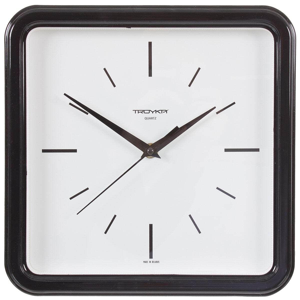 есть минус, часы настенные квадратные киров фото президент