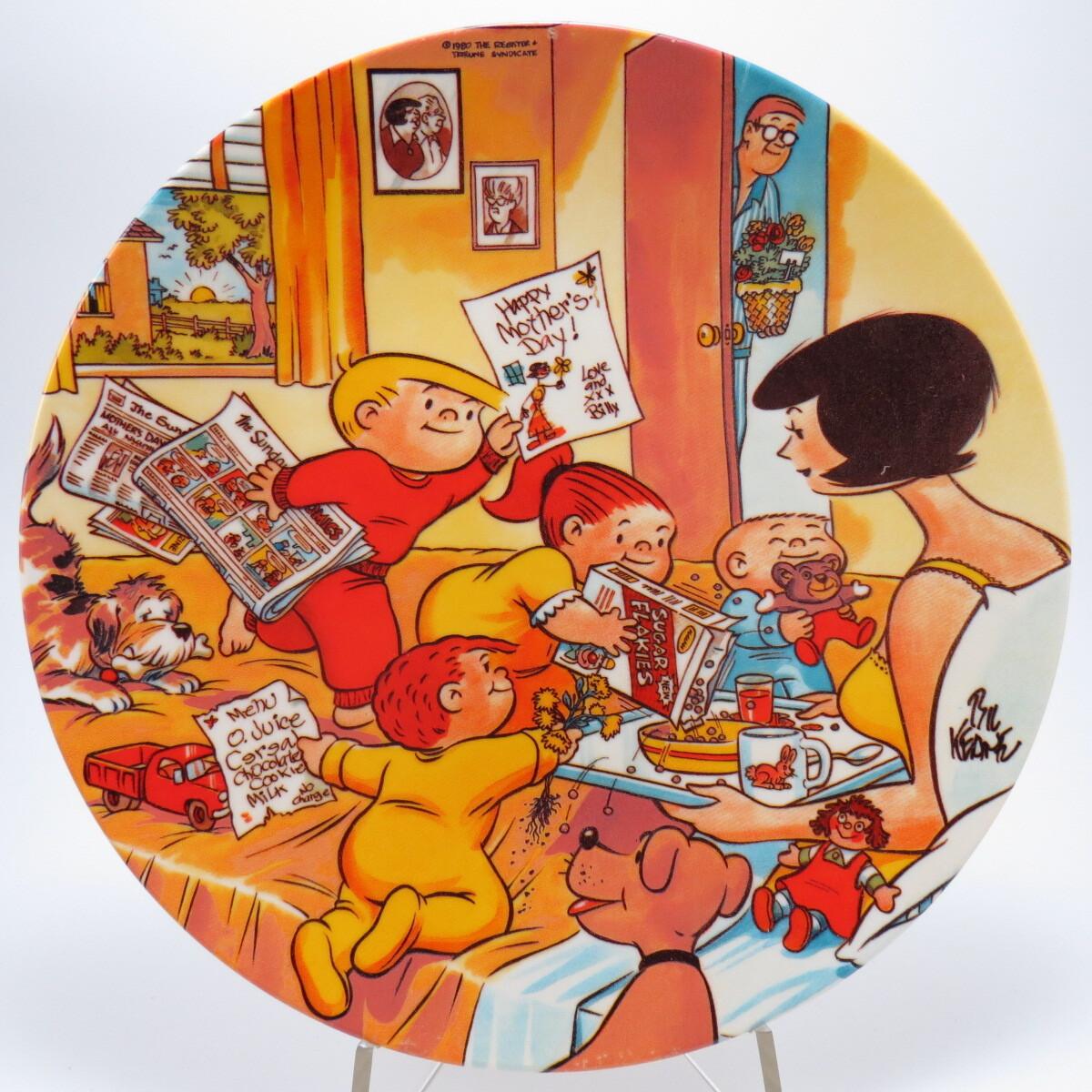 """Декоративная коллекционная тарелка """"Ко Дню Матери: Семейный цирк"""". Фарфор, деколь, золочение. США, Stancraft collectible, Бил Кин, 1980"""